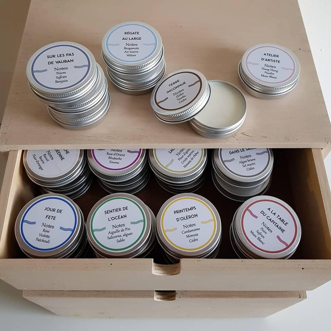 Professionnels, notre équipe commerciale continue à aller à votre rencontre pour vous présenter nos collections, c'est encore plus important en cette période sans salons. En attendant leur visite, nous pouvons vous envoyer des testeurs de tous nos parfums.  . . #parfumdinterieur #parfumdambiance #bougie #bougieparfumee #brumedinterieur #brumedambiance #diffuseur #fabricationfrancaise #madeinfrance #frenchmade #candle #scentedcandle #roomspray #diffuser #reeddiffuser #homescents #revendeur #boutiqueindependante #conceptstore #boutiquedeco #boutiquecadeaux #boutiquesouvenirs #interiorshop #giftshop